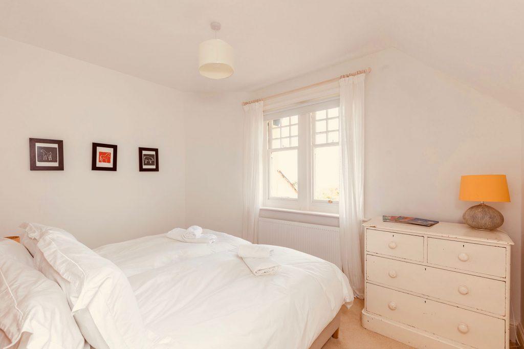 App-1-Double-Bedroom