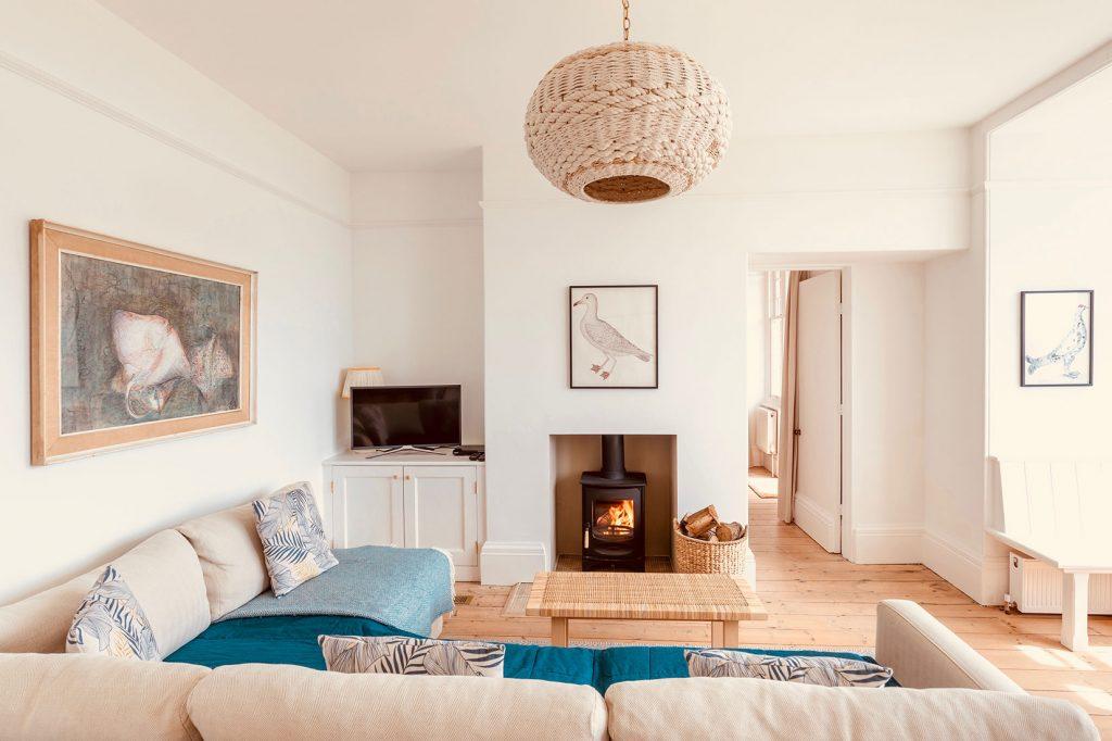 App-1-Living-Room