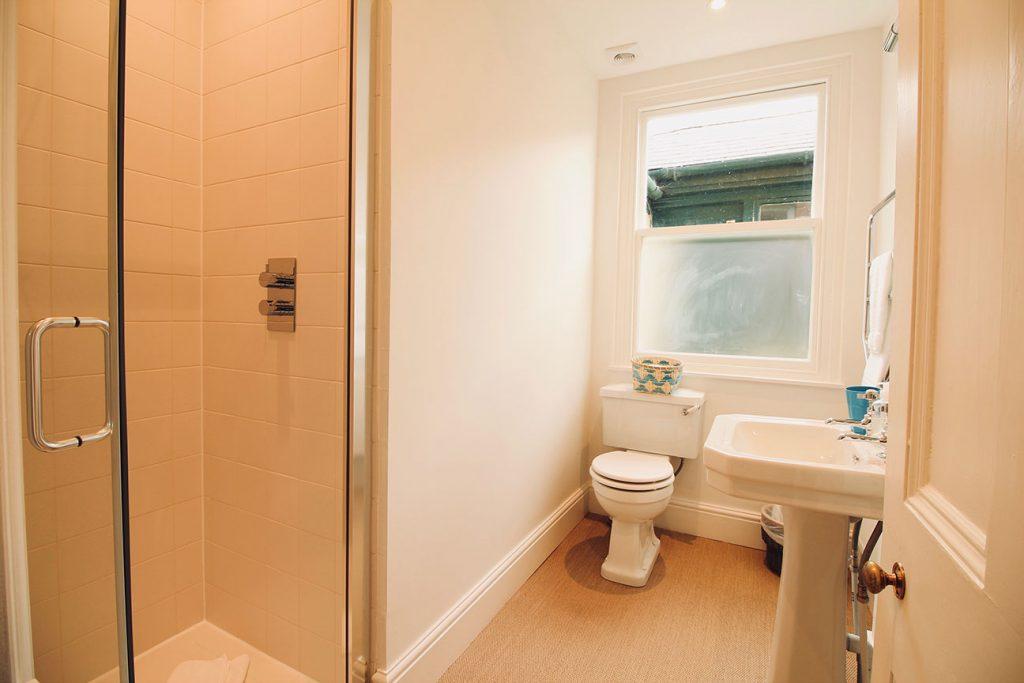 App-1-Shared-bathroom