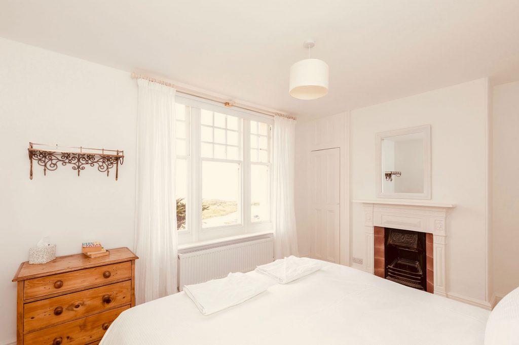 App-2-Double-Bedroom-and-Window