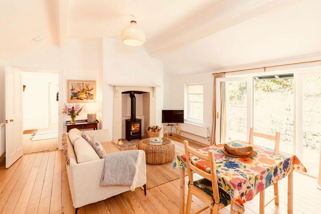 App-4-Living-Room